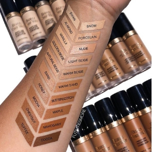 Born This Way Super Coverage Concealer de Too Faced : swatches