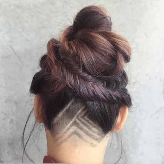 Un Undercut Tatoo simple