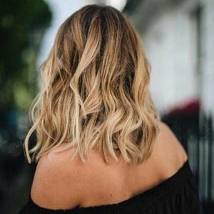 Coupe de cheveux coiffé décoiffé