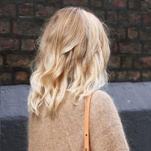 Cheveux meche blond et gris