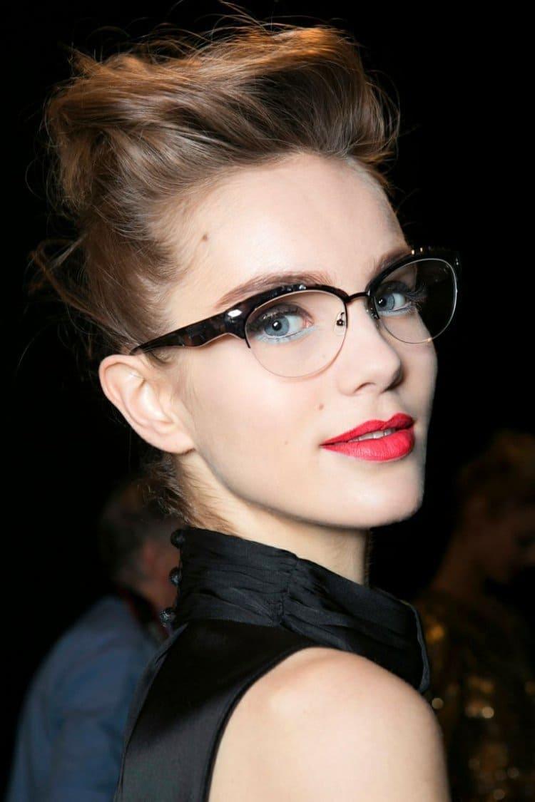 maquillage des yeux avec des lunettes