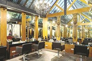 La coiffeuse marisol pose ses ciseaux au bon march - Salon de coiffure saint georges ...